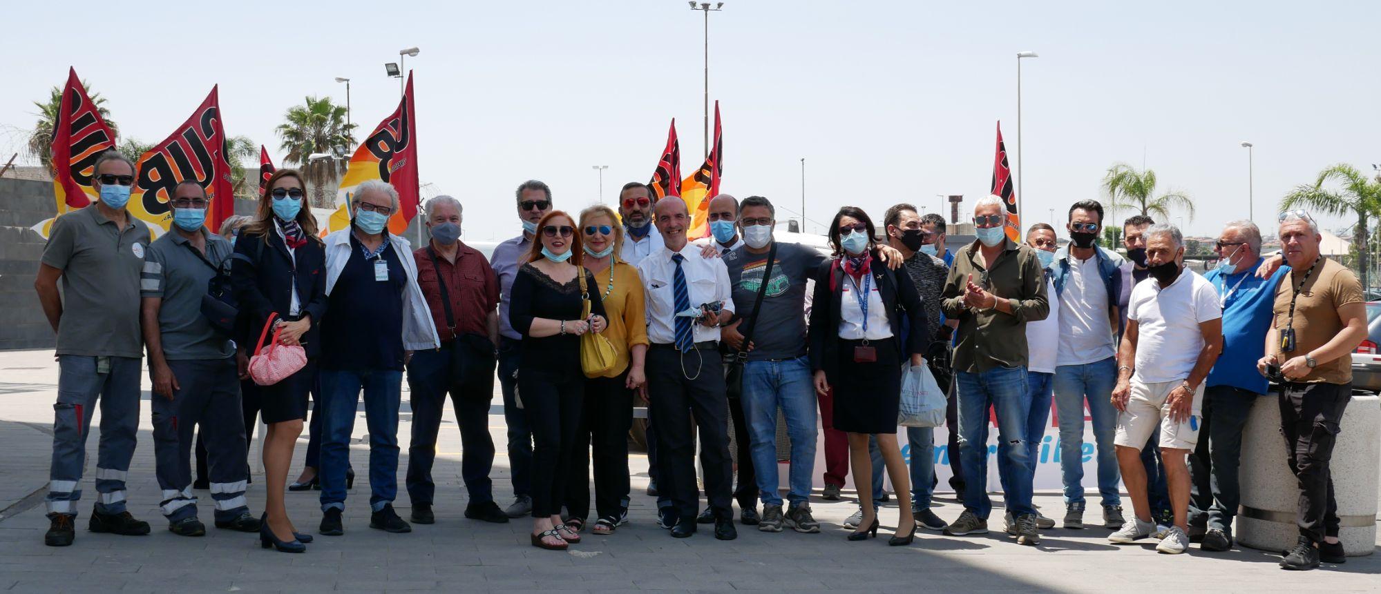 Aeroporto, passeggeri in calo del 50%, cassa integrazione a zero ore e SAC spende 112.000 euro in cestini per i rifiuti